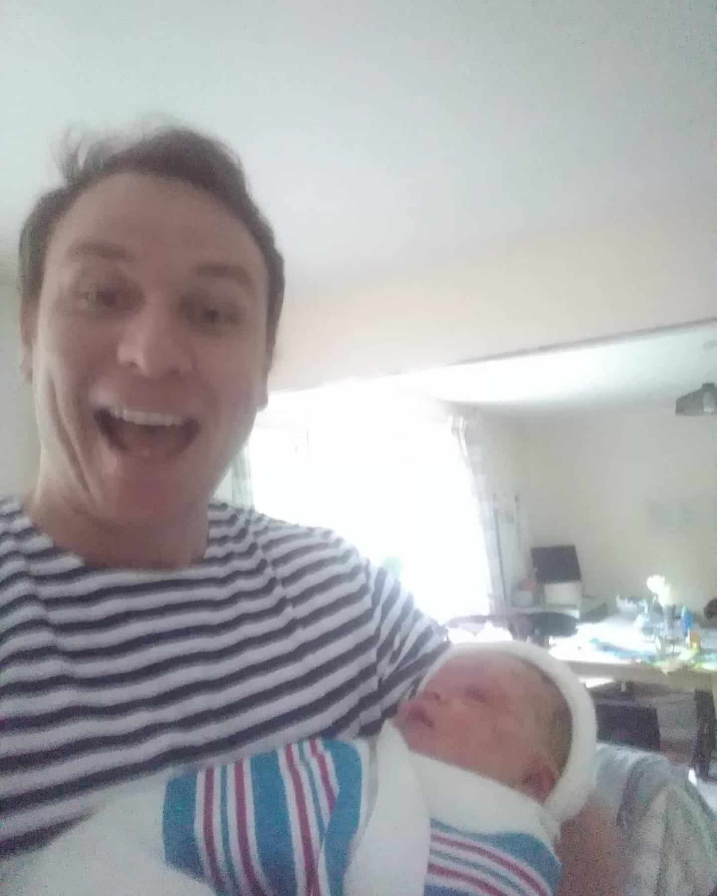 south oxfordshire dad caught his baby and wrapped him in a dog blanket after fast hypnobirthing home birth